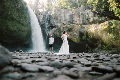 Ersoy & Oguz: Tegenungan Waterfall Bali Honeymoon Shoot ...