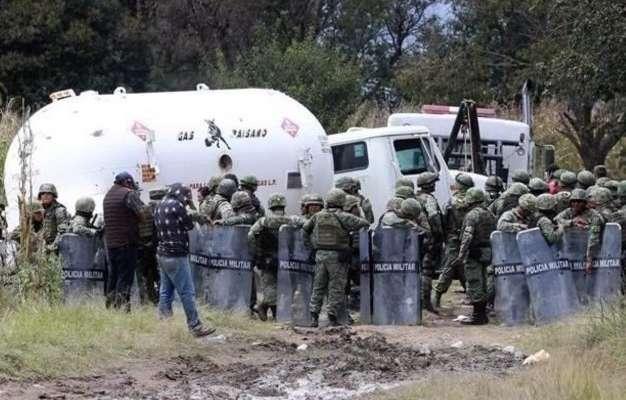 MÁS VISIBLES. Hace una semana fueron aseguradas en Ecatepec y Texcoco, 42 pipas y 222 mil litros de gas robado. Foto: Especial