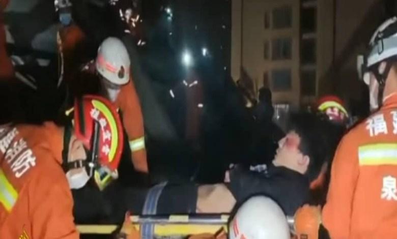 चीन: कोरोना वायरस के क़हर के बाद इमारत गिरने से 10 लोगों की मौत!