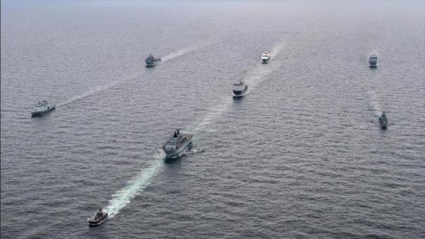 Buques de guerra de la Armada británica participan en ejercicios militares navales en el mar Báltico, cerca de las fronteras rusas.