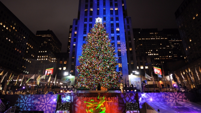 World Famous Christmas Tree Will Light Up Tonight