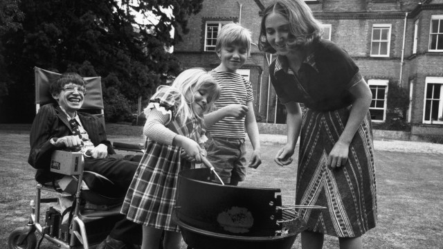 Professor Stephen Hawking, his wife Jane and two of his children, Robert and Lucy, at home in Cambridge, 1977. (Credit: Ian Berry/Magnum Photos)