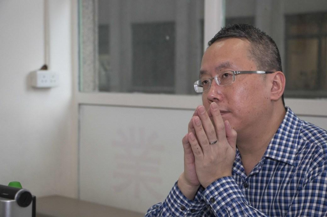 靄華押業主席兼行政總裁陳啟豪指,應徵者的背景是聘請「二叔公」首要的考慮條件之一,因當舖內錢銀牽涉多,所以誠信非常重要。(張浩維攝)