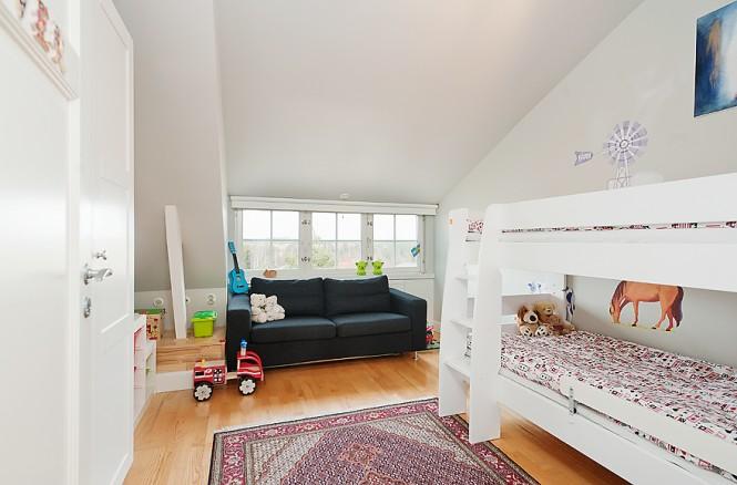 black white childs bedroom design