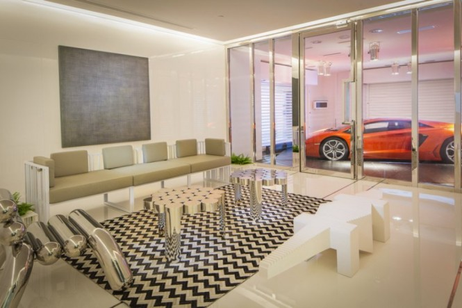 Super Luxury Singapore Apartment With In-Room Car Parking