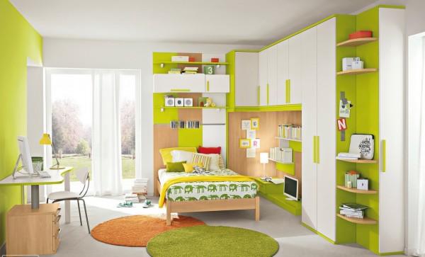 Green white bedroom decor