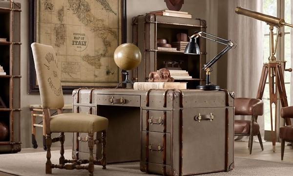 10 Travel trunk desk