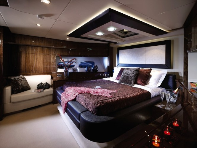 Charlotte Yacht And Boat Interior Decorating Ideas With J Mozeley Redesign