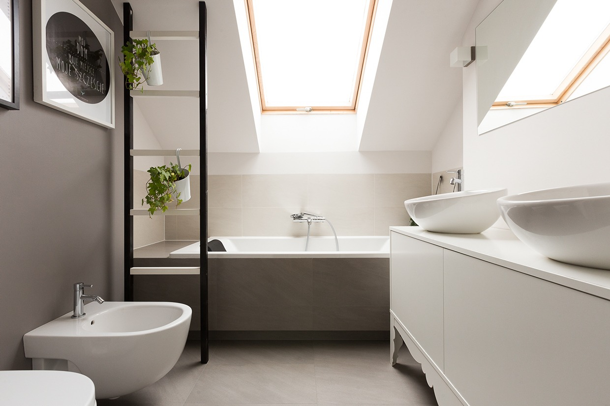 Attic Bathroom Interior Design Ideas