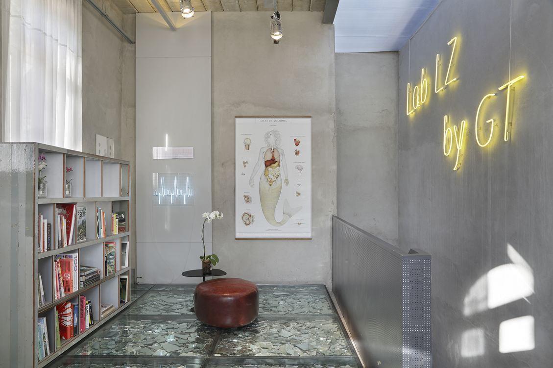 Neon Sign Apartment Interior Design Ideas