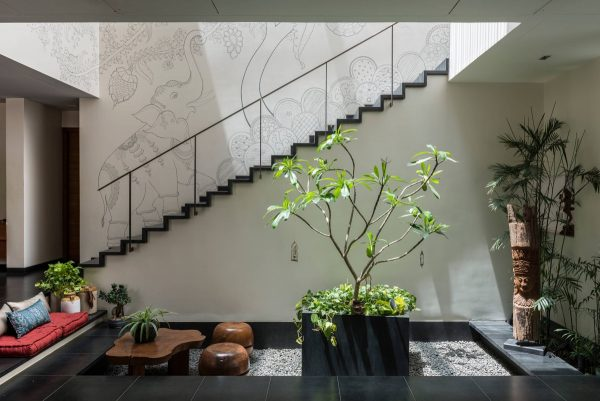 Courtyard-skylights-600x401 Indoor Skylights: 37 Beautiful Examples To Tempt You To Have One For Yourself