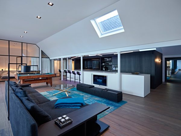 Kitchen-diner-with-skylight-600x450 Indoor Skylights: 37 Beautiful Examples To Tempt You To Have One For Yourself