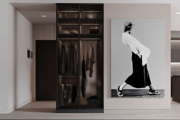Photographic-wall-art-600x400 Black, White & Beige Apartment For The Fashionista