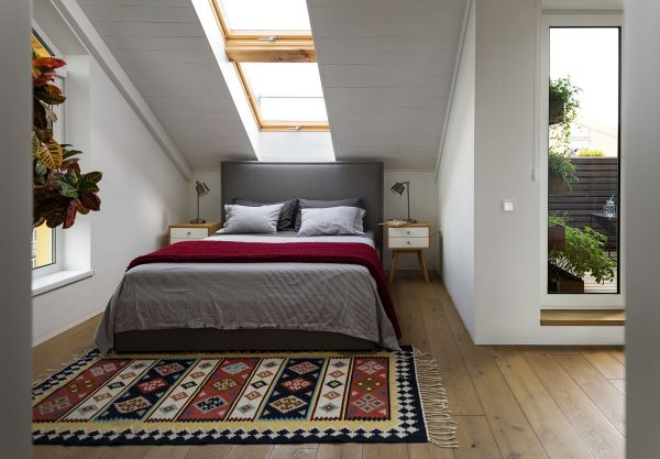 Wood-framed-skylight-600x417 Indoor Skylights: 37 Beautiful Examples To Tempt You To Have One For Yourself