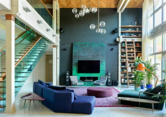 Attention Grabbing Home Design Packed With Colourful Chic