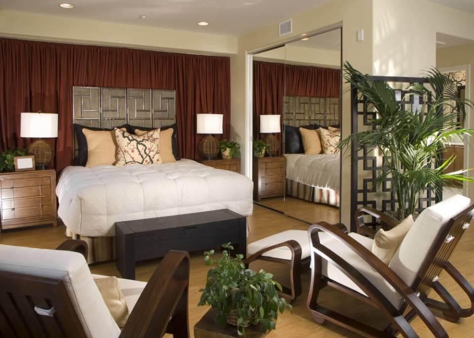 Large Master Bedroom Furniture Arrangement | Savae.org