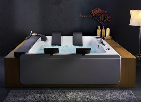 Blebleu Large Whirlpool Bathing Tub By Thais Art