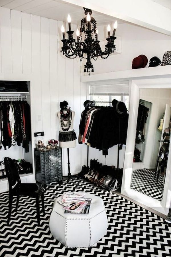 turn a small bedroom into a dressing room