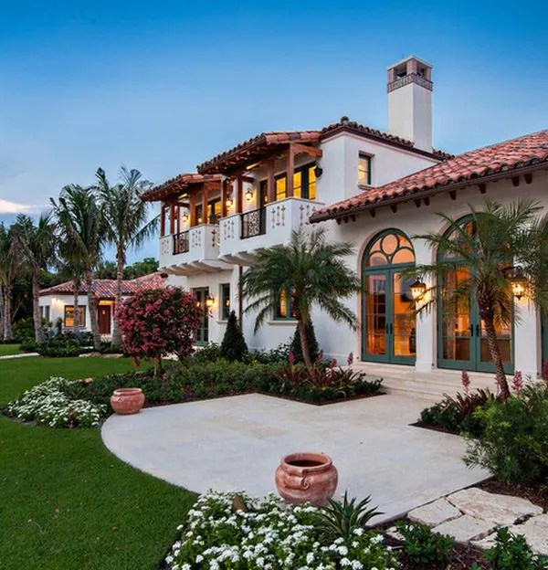 spanish style homes with arches
