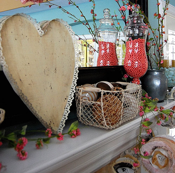 Valentines Day Mantel Decoration Ideas