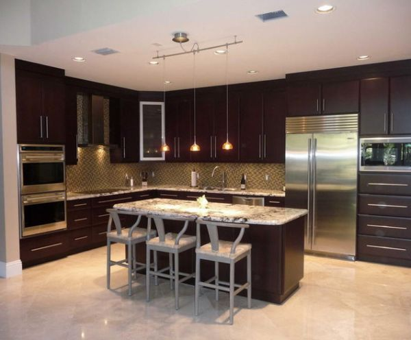 Traditional Shaped Kitchen Modern Touches