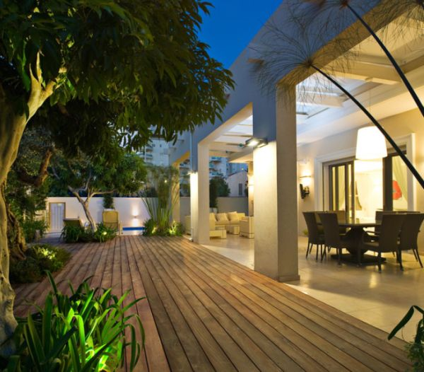 Exquisite Outdoor Spaces Featuring Wood As A Primary Material