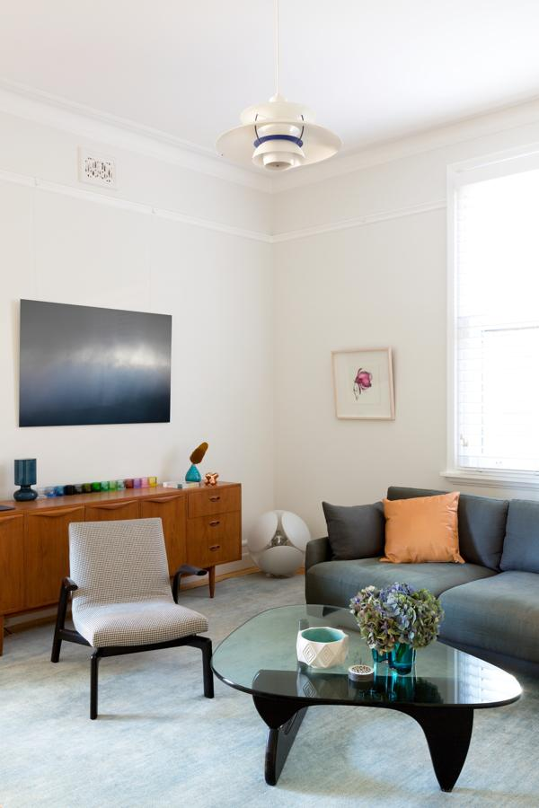 1915 Apartment Gets A Mid Century Modern Update