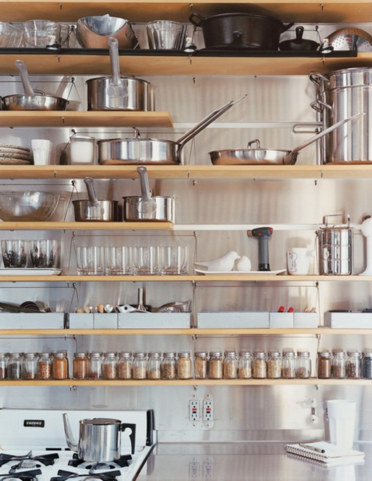 Tips Stylishly Stocking Open Kitchen Shelving