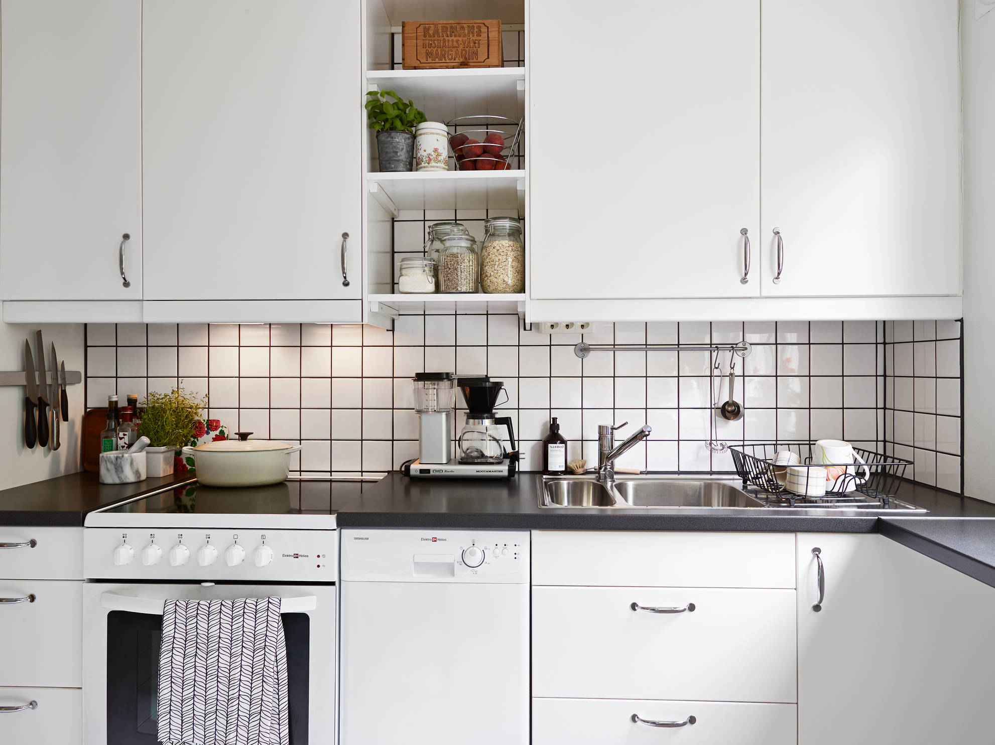 Square Tile Backsplash Ideas