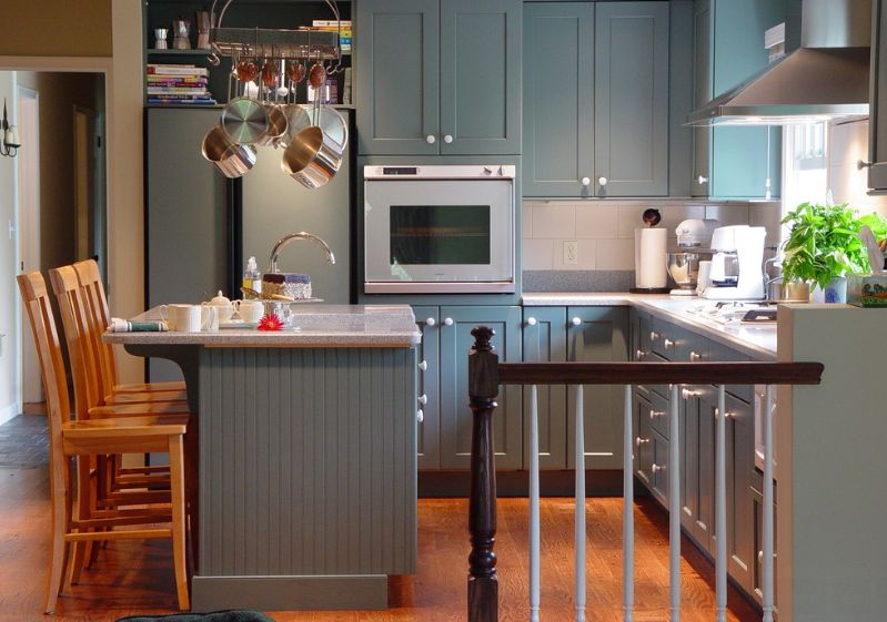 20 Stylish Ways To Work With Gray Kitchen Cabinets An error occurred
