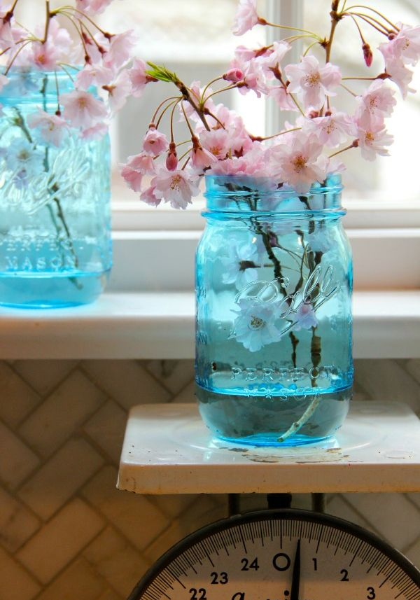 Simple Ways To Decorate With Blue Tinted Mason Jars