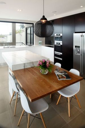 Contemporary Kitchen Cabinets For A Posh And sleek Finish 10  Shining Black Slats