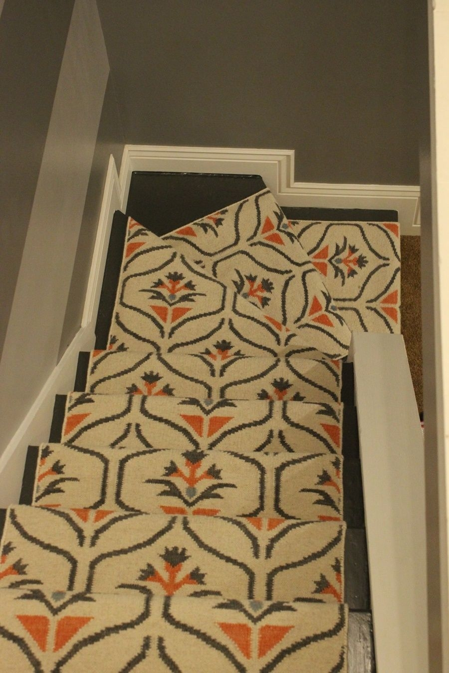 Update Your Staircase How To Remove And Install Carpet On The Stairs | Floral Carpet For Stairs | Modern | Brown Pattern | Pattern | Laminate | Diamond Pattern