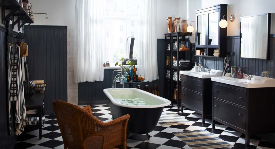 20 Functional   Stylish Bathroom Tile Ideas 1  Checkerboard