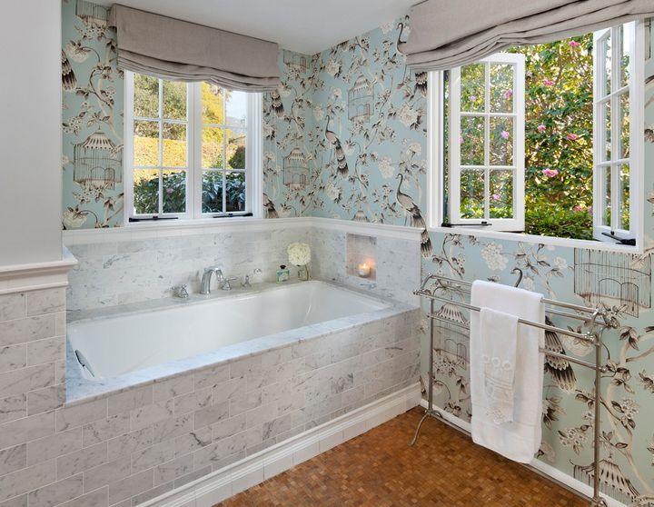 Casement windows for bathroom