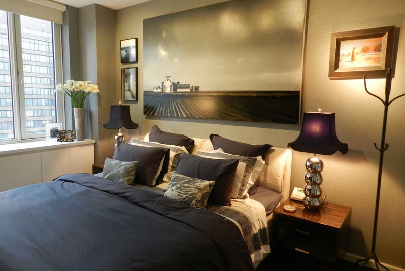 How To Give Character To A Bedroom With A Painting Over
