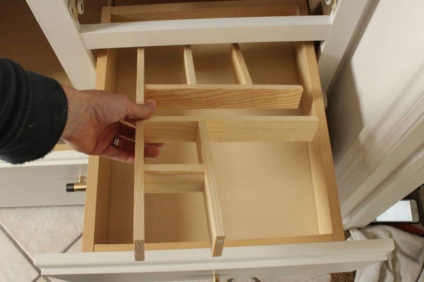 DIY Upgrade Bathroom Vanity- replace vanity drawer