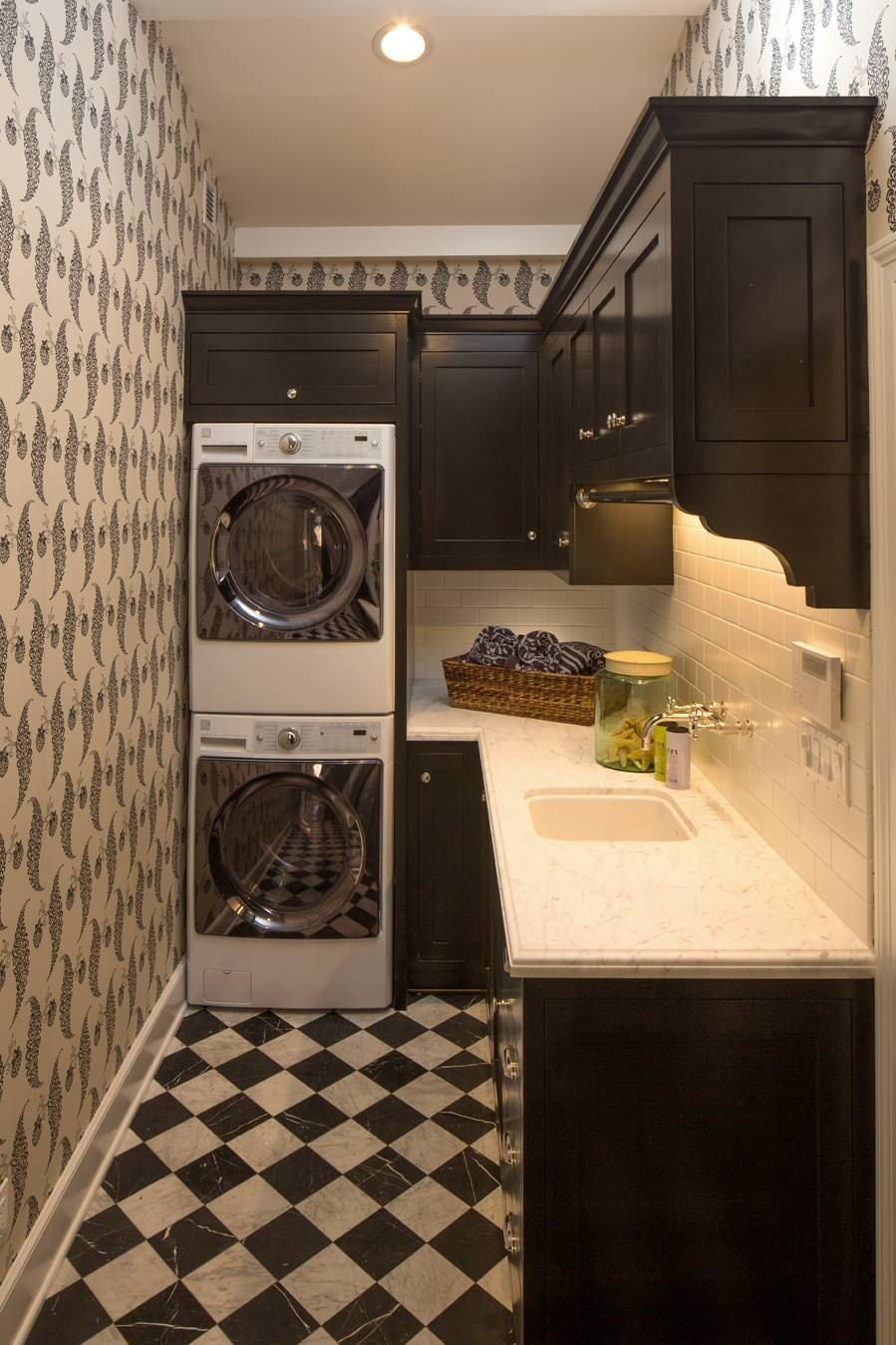L shaped laundry room design