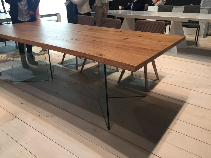 Wood top and glass legs for dining table