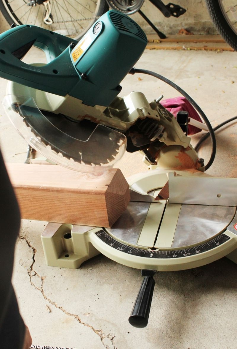 miter saw cuts angles