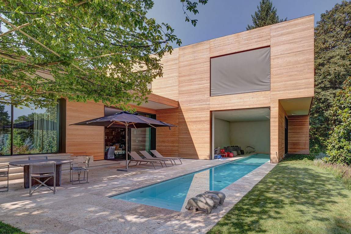Modern milan Italy house with a small backyard pool