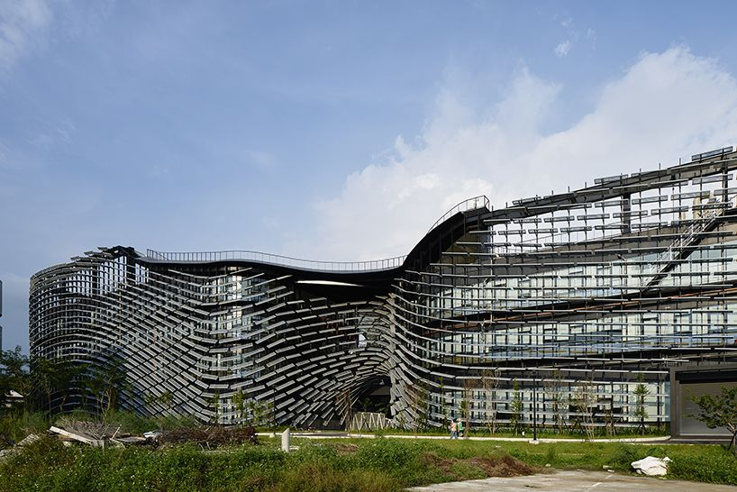 Noiz architects industrial institute facade