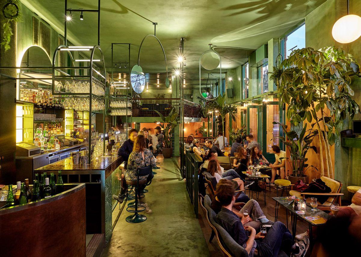 Bar Botanique Cafe Tropique With Tropical Plants