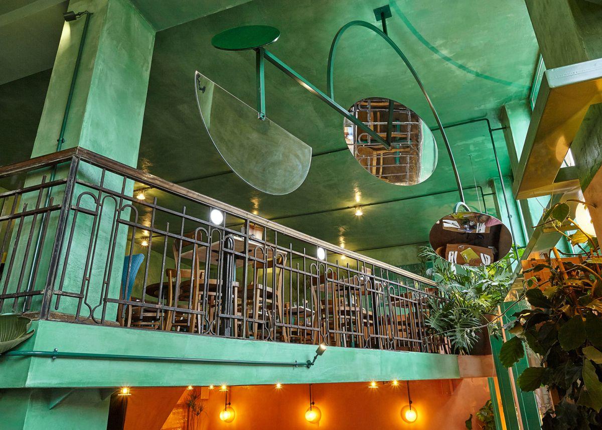 Bar Botanique Cafe Tropique ceiling decor
