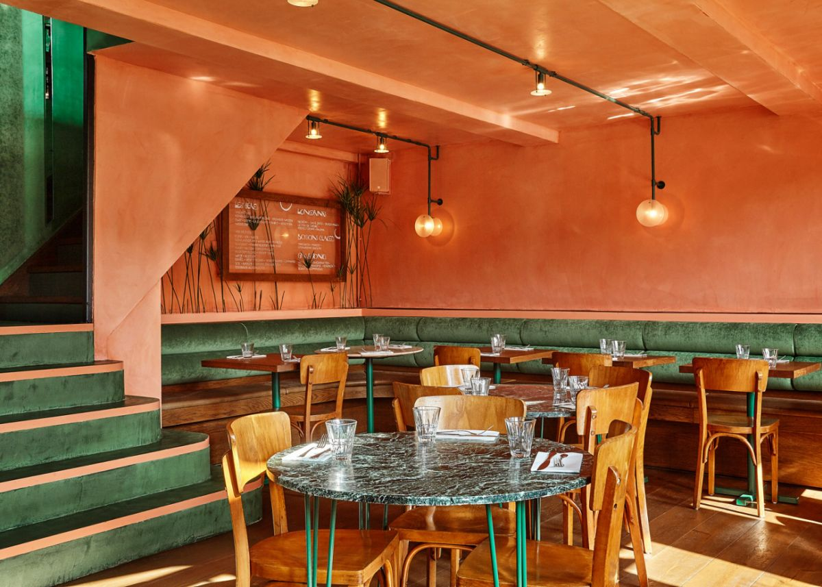 Bar Botanique Cafe Tropique orange corner