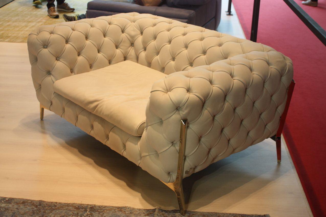 Calla Italiam tifted armchair