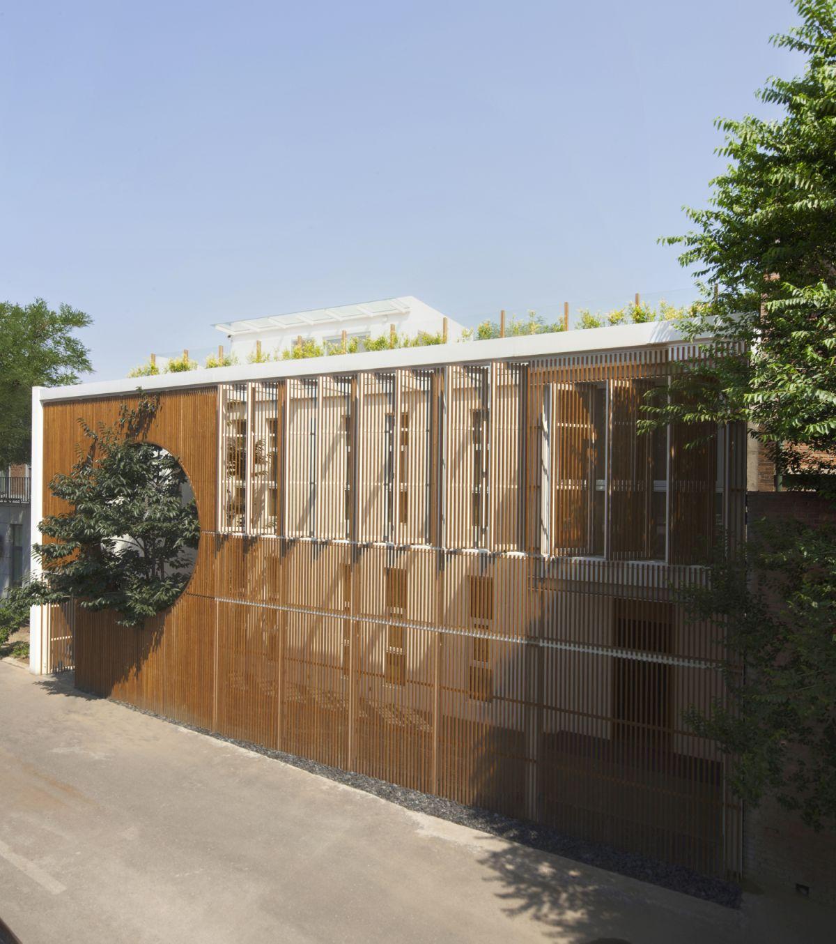 Elongated Industrial Box - Ding Hui Yuan Zen & Tea Chamber Wall