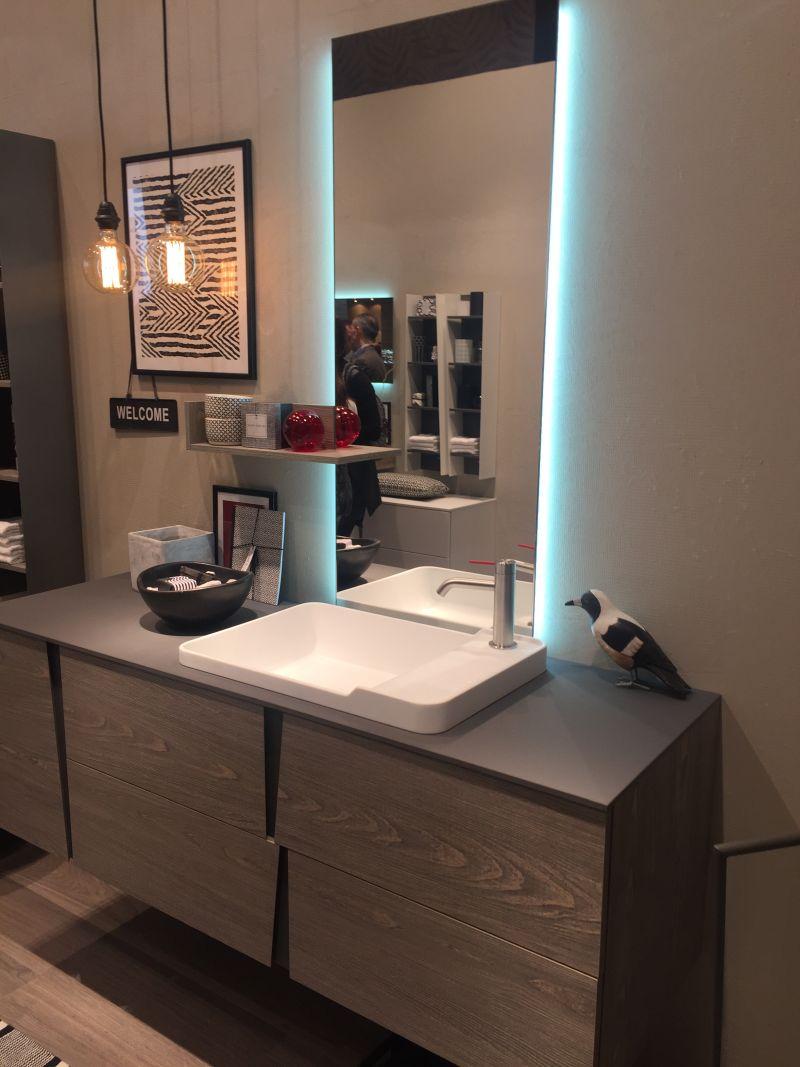 Irregular bathroom vanity drawers