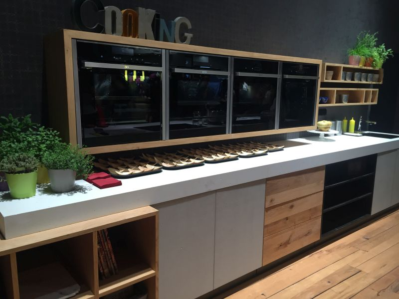 Kitchen layout with built in appliances