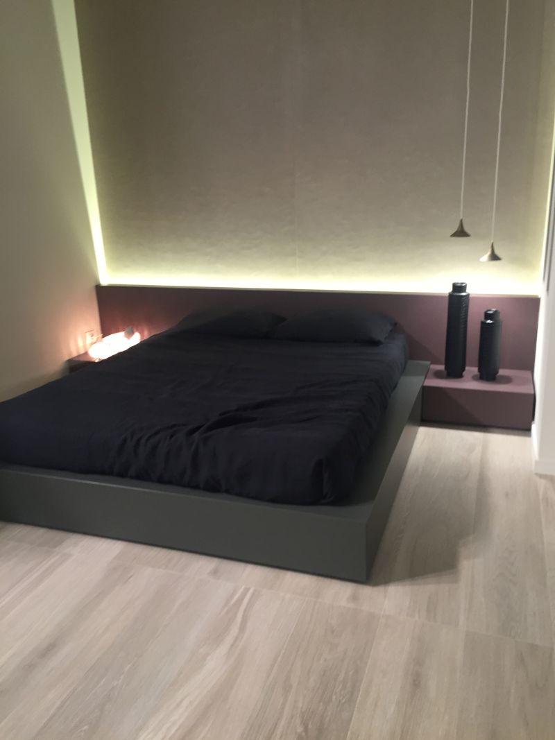 Modern bedroom with cool mood High-Efficiency LED Lighting